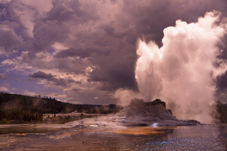 Crested Pool, Yellowstone N.P., U.S.A.